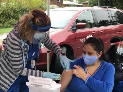 Ofrecen vacunas gratis contra la influenza