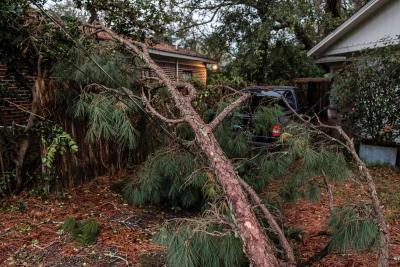 Zeta castiga con sus vientos el sureste de EE.UU.