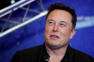 NASA adjudica a SpaceX contrato para regresar a la Luna en 2024