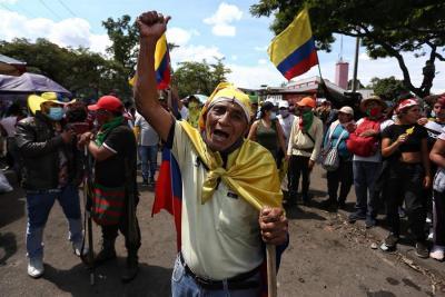 Cali sigue en el ojo del huracán del décimo día de protestas en Colombia