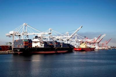 El colapso en el puerto de Los Ángeles hace tambalear a EE.UU.